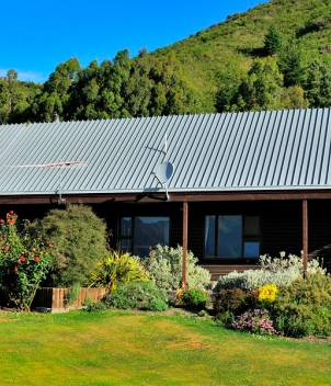 Riverview Lodge and Owen River Lodge, February 2018